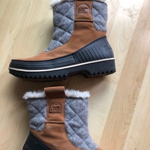 Women's Sorel tivoli pull on winter boots